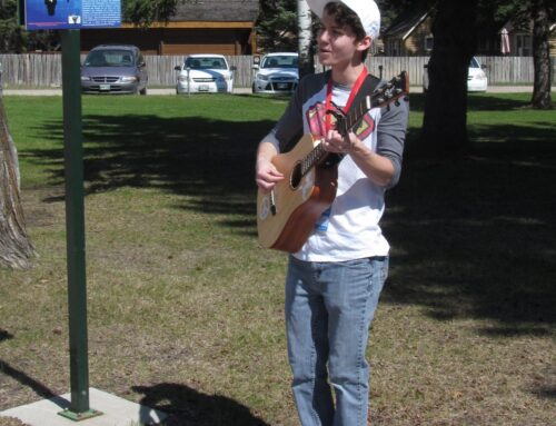 Become of Friends of RMNP Busker!